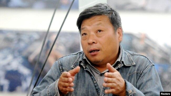 新疆被捕近一年后,摄影师卢广家人首报平安