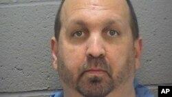 미국 남부 노스캐롤라이나 주에서 이슬람교도들을 잇달아 살해한 용의자 크레이그 스테펜 힉스. (자료사진)