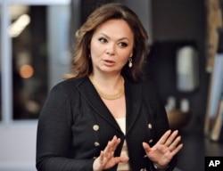 미국 대선 투표일이었던 지난해 11월 8일 나탈리아 베셀니츠카야 변호사가 러시아 모스크바에서 기자들과 대화하고 있다.