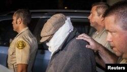Las autoridades dijeron que Nakoula Basseley Nakoula abandonó voluntariamente su hogar para ser interrogado.