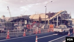 Work on a new bus terminal in central Christchurch, June 12, 2015. (Phil Mercer for VOA News)