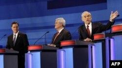 Слева направо: Митт Ромни, Ньют Гингрич и Рон Пол во время теледебатов.