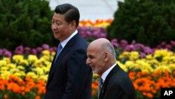 رئیس جمهور غنی در یکی از نخستین سفر های رسمی خود به چین رفت، اما تا هنوز به امریکا سفر نکرده است