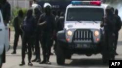 La police gabonaise dans une rue de Libreville, Gabon, 31 août 2016.