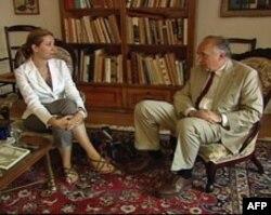 Džon Braun u razgovoru sa novinarkom Glasa Amerike Helenom Đorđević