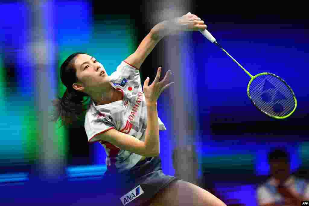 2018年8月1日,在江苏省南京举行的羽毛球世界锦标赛上,日本的大堀彩(Aya Ohori)在女子单打比赛中。女子双打的前三名被日本选手包揽,导致比赛场馆升起3面日本国旗。