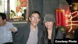 王譯和華春輝夫婦(王譯提供)