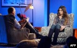 Berlusconi'nin ilişkiye girdiği iddia edilen Fas asıllı kadın bir televizyon programına katılıyor