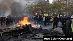 Manifestantes tomaram as ruas de Paris no primeiro aniversário do movimento dos coletes amarelos. 16 de Novembro