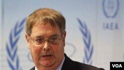 Pejabat IAEA Graham Andrew dalam jumpa pers di Wina, Kamis (17/3).