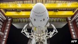 کپسول فضاپیمای درگن ساخت شرکت خصوصی آمریکایی اسپیس اکس