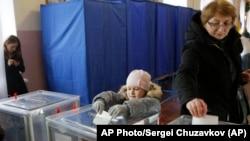 Голосування в Києві, 2015 рік