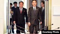 The 5th inter-Korean high-level talks were held at the House of Peace in Panmunjom on October 15, 2018, with South Korean Unification Minister Cho Myoung-gyon, right, and his North Korean counterpart Ri Son Gwon.