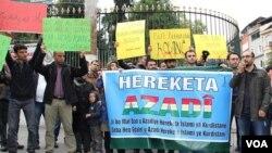İstanbul'da IŞİD'in Kobani'ye saldırısını protesto eden Kürtler