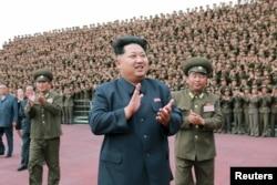 Lãnh tụ Kim Jong Un đã ra lệnh hành quyết 15 giới chức cao cấp trong năm nay để trừng phạt sự thách thức của họ đối với quyền lực của ông.