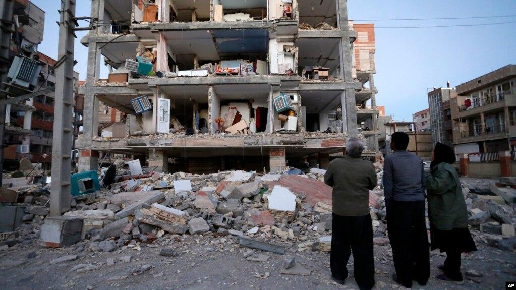 Mbi 300 të vrarë nga tërmeti në kufirin Iran-Irak