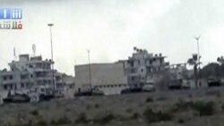 در این تصویر تانک های ارتش سوریه را در نزدیگی «لاذقیه» مشاهده می کنید. ۱۳ اوت ۲۰۱۱
