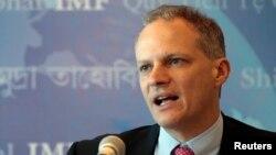 Alejandro Werner, del FMI, dice que se ve una relativa estabilidad económica en México y una crisis en Brasil.