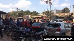 Une journée ville morte organisée à Conakry, en Guinée, le 12 mars 2018. (VOA/Zakaria Camara)