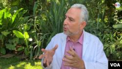 Leonel Argüello, epidemiólogo y fundador del Ministerio de Salud de Nicaragua, conversó con la VOA. (Foto: Houston Castillo) Houston Castillo).