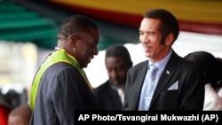 津巴布韋新任總統埃默森·姆南加古瓦(左)