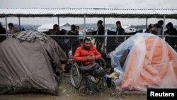 Tenda-tenda darurat para pengungsi Suriah di desa Idomeni, Yunani dekat perbatasan Makedonia (foto: ilustrasi).