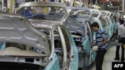 1 trong những lãnh vực bị tác hại nặng nhất ở Ấn Độ là chế tạo ô tô