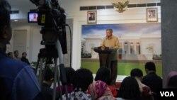 Presiden SBY berpesan agar para calon presiden dan calon wakil presiden, konsisten dalam janjinya memberantas korupsi di Indonesia, Selasa, 10 Juni 2014 (Foto: VOA/Andylala)