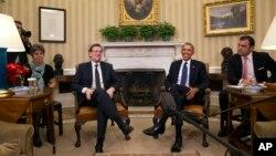 Премьер-министр Испании Мариано Рахой (слева) и президент США Барак Обама (архивное фото)