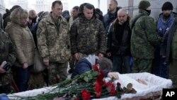 Побратими прощаються з полеглим воїном Олександром Ільницьким