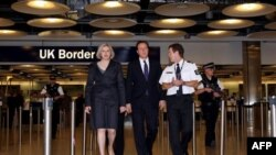 Kryeministri britanik ofron ndihmën e ushtrisë për të përballuar motin e keq