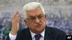 Ketua faksi Fatah, Presiden Palestina Mahmoud Abbas ikut memberikan sambutan bagi rapat umum di Gaza dari Ramallah, Jumat 4/1 (foto: dok).