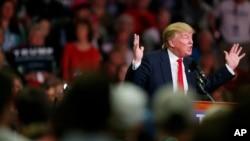 미국 공화당의 도널드 트럼프 대통령 후보가 7일 미시시피주 매디슨에서 열린 유세장에서 연설하고 있다.