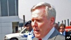 Реј Мејбус, секретар на Морнарицата на САД