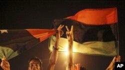 باغی طرابلس کے مرکز میں، شہریوں کا جشن