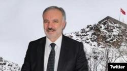 WaliKota Kars, Ayhan Bilgen dari partai pro-Kurdi dipecat dari jabatannya, Jumat (2/10) atas tuduhan terlibat dalam protes antipemerintah tahun 2014, yang menewaskan 37 orang.