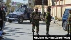 Polisi Pakistan mengamankan sebuah pusat pelatihan kepolisian pasca serangan militan di Quetta, 25 Oktober lalu (foto: ilustrasi).