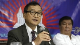 Speaking from Rangoon, Sam Rainsy told VOA Khmer that Burma has turned away from its dictatorial past and allowed its opposition leader to join parliament, file photo.