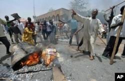 Des manifestants à Kano