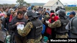 بیش از یک میلیون پناهجو سال گذشته به اروپا سرازیر شد.
