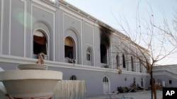 در حمله بر مهمانخانۀ والی کندهار کم از کم ۱۲ نفر کشته شد