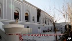 قندہار میں دہشت گرد حملوں کا نشانہ بننے والی عمارت جس میں پانچ غیرملکی سفارت کار ہلاک ہوگئے تھے۔ 11 جنوری 2017