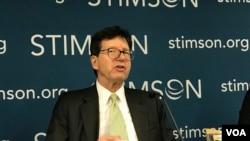 美国维吉尼亚大学教授何汉理2019年9月25日参加史汀生中心香港问题座谈会(美国之音锺辰芳拍摄)