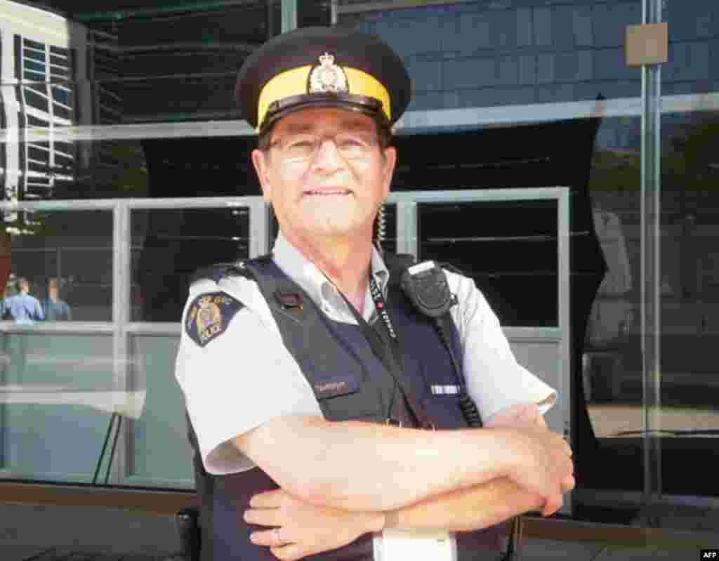 Пока саммиты и беспорядки в Торонто не начались, полицейские были в хорошем настроении