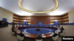 Các nhà lãnh đạo APEC họp hội nghị tại Vladivostok, Nga, ngày 8/9/2012.