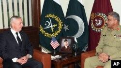 دیدار وزیر دفاع آمریکا و مقام ارشد نظامی پاکستان
