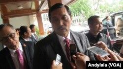 Bộ trưởng Điều phối Chính trị, Pháp lý và An ninh của Indonesia Luhut Binsar Panjaitan.