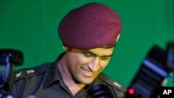 مہندر سنگھ دھونی اعزازی لیفٹننٹ کرنل بننے کے بعد۔ فائل فوٹو