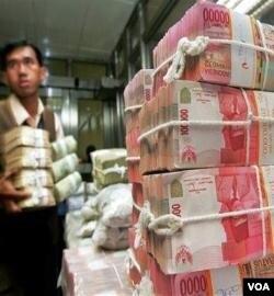 Seiring meningkatnya ekonomi Indonesia, potensi dana zakat diperkirakan terus meningkat dan bisa mencapai 217 Triliun Rupiah (foto: ilustrasi).
