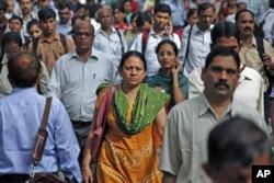 Heure de pointe à Mumbai, Inde (31 octobre 2011)